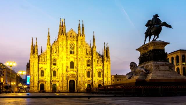 Sunrise-Time-Lapse-of-Milan-Cathedral-Milan-Italy