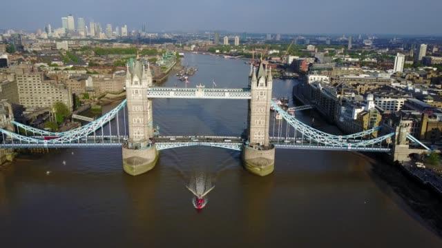 Erstaunlichen-Blick-auf-die-Tower-Bridge-in-London-von-oben-