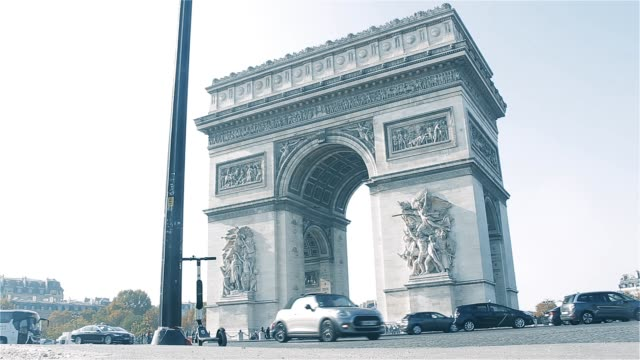 Arc-De-Triomphe-With-Traffic-In-Paris-(France)-
