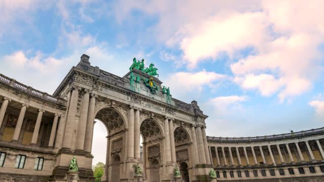 Brussels-Belgium-time-lapse-4K-timelapse-at-Arcade-du-Cinquantenaire-of-Brussels-(Arc-de-Triomphe)