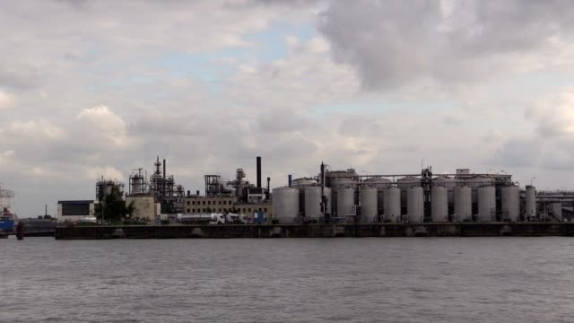 Factory-in-the-harbor-of-Hamburg-on-Elbe-River