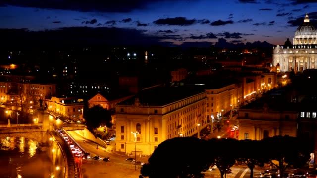 De-San-Pedro-Basílica-Vaticano-Roma-Italia-Después-de-la-vista-del-atardecer