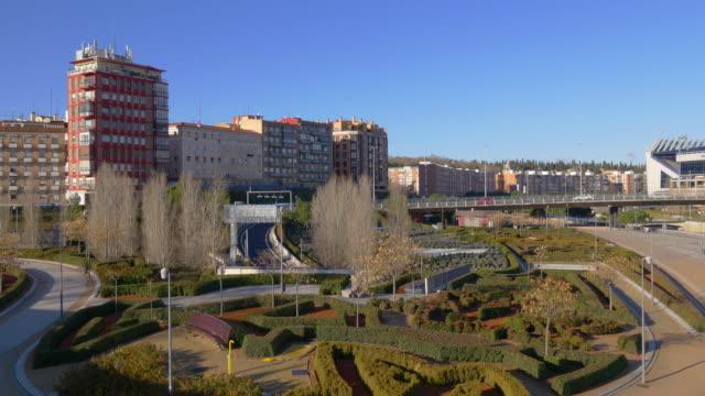 España-Madrid-luz-de-sol-de-la-mañana-de-bloque-de-estar-panorámica-4-K