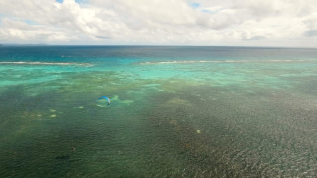 Kitesurf-en-Isla-Boracay-y-Bulabog-Boracay-island-Filipinas