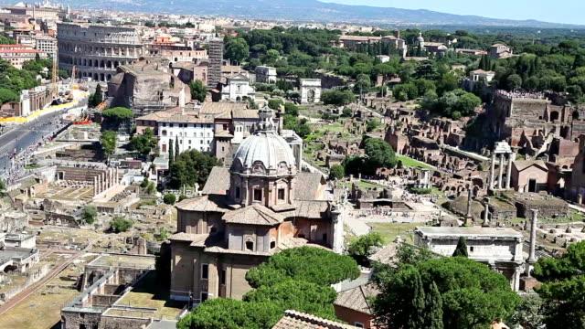 Basílica-Ulpia-de-Roma