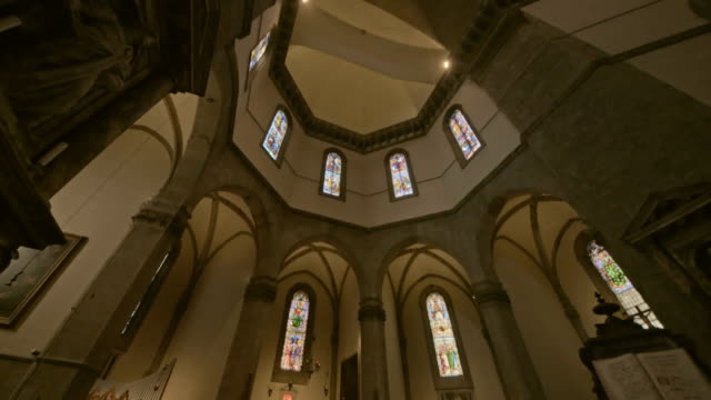 Cupola-of-Duomo-Cathedral-Santa-Maria-del-Fiore-interior-of-Florence-inside-Tuscany-Italy-