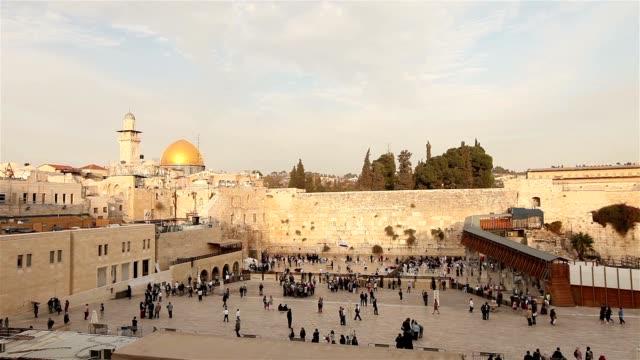Israel-Jerusalem-western-wall-The-Western-Wall-Wailing-Wall-Jewish-shrine-old-city-of-Jerusalem-Orthodox-Jews-pray-religion-Timelapse-zoom-panorama