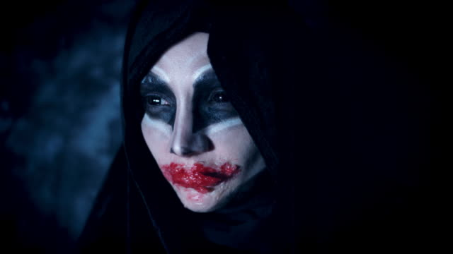4k-Halloween-and-Horror-Woman-Alien-Acting-with-Bloody-Mouth