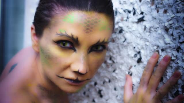 4K-Horror-Serpent-Makeup-Woman-Crawling