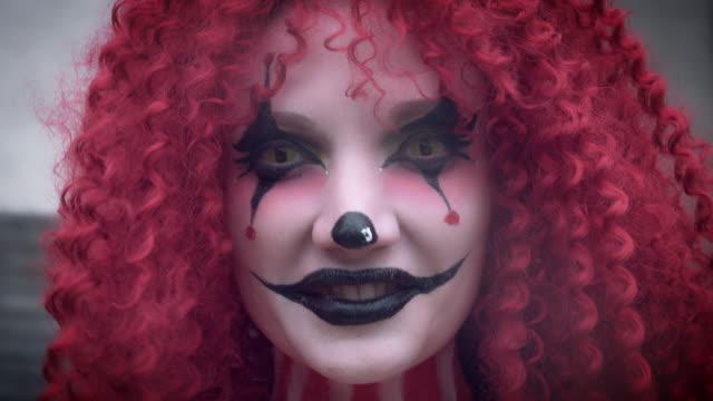 4-k-Halloween-Horror-payaso-mujer-con-Risa-malvada