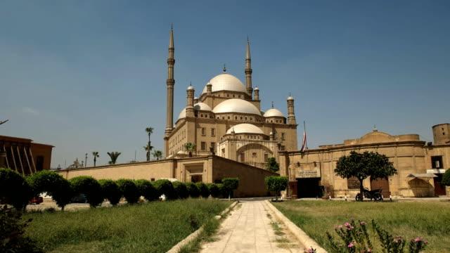 panorámica-de-la-mezquita-de-alabastro-en-el-cairo-Egipto