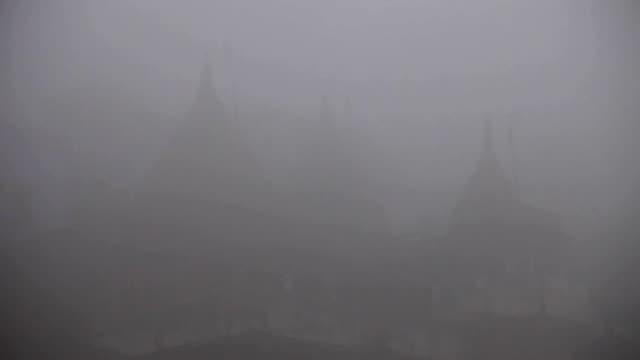 Varanasí-Ghats-en-la-niebla
