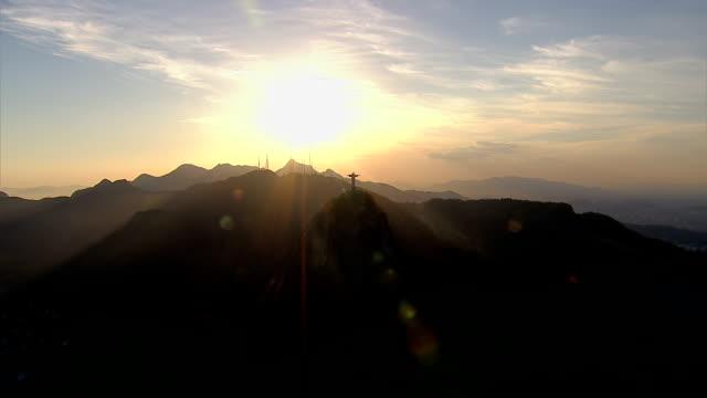 Puesta-de-sol-sobre-el-Río-de-Janeiro-Brasil