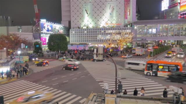Famous-Shibuya-Crossing-at-night-time-lapse
