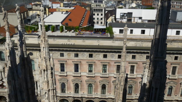 italy-milan-city-summer-day-duomo-rooftop-gallery-view-point-panorama-4k