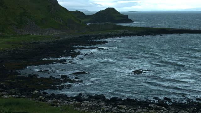 4-k-Schuss-von-Giant\-s-Causeway-Küste-Nord-Irland
