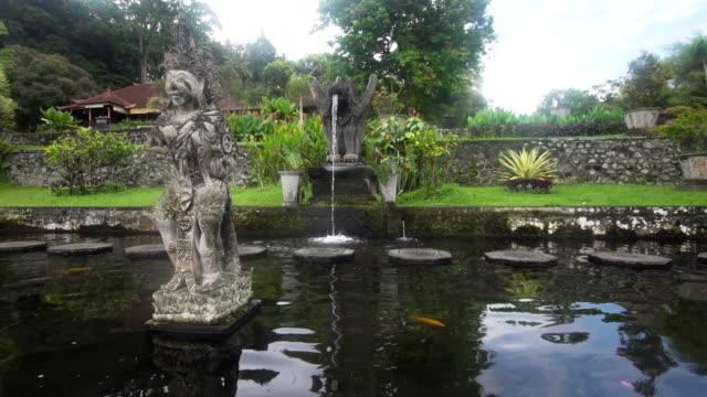 Tirta-Gangga-en-Bali-Templo-hindú