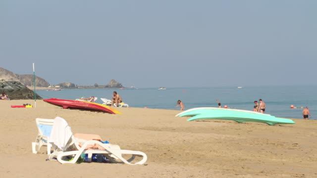 beautiful-hotel-beach-4k-time-lapse-near-dubai-uae