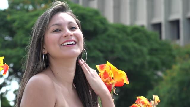 Young-Hispanic-mujer