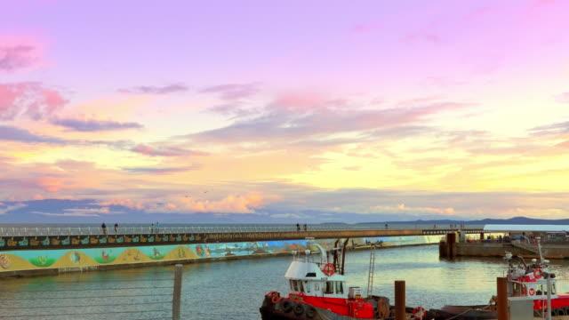 Victoria-BC-Breakwater-Ogden-Point-Canada-Ocean-Water-Sunset-Outdoor-Dusk