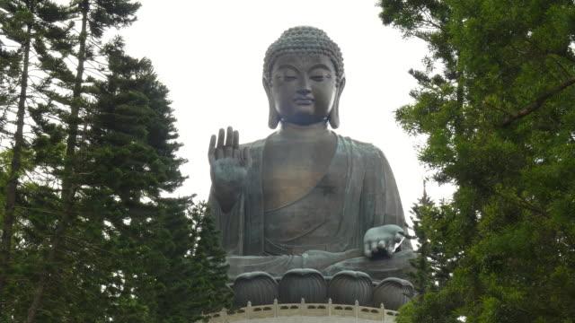 zoom-in-shot-of-tan-tian-giant-buddha-in-hong-kong