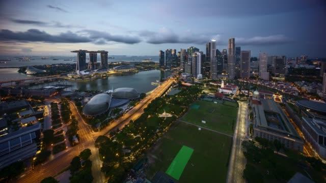 4-k-UHD-hermoso-lapso-de-tiempo-de-la-noche-de-la-salida-del-sol-al-día-en-Singapur