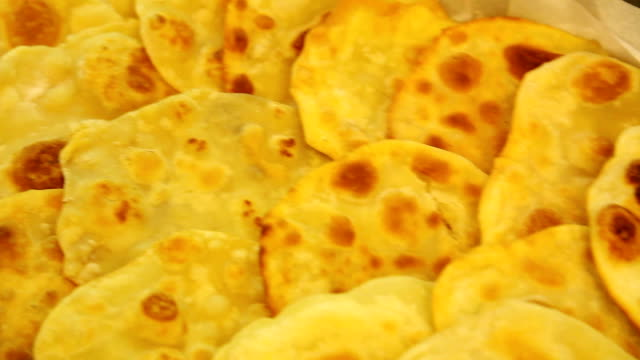 row-of-fried-chapatis