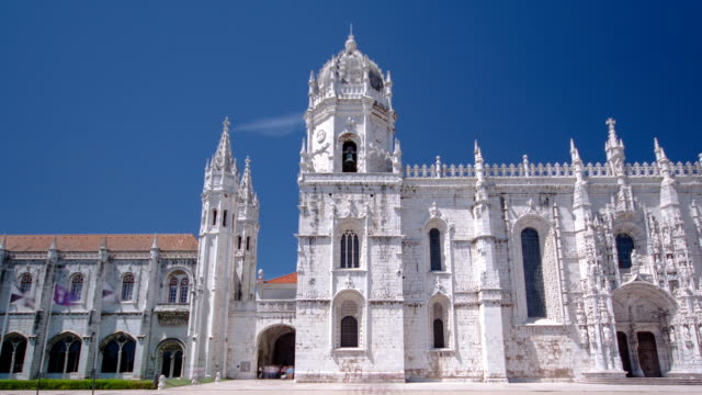 The-Jeronimos-Monastery-or-Hieronymites-Monastery-is-located-in-Lisbon-Portugal-timelapse-hyperlapse