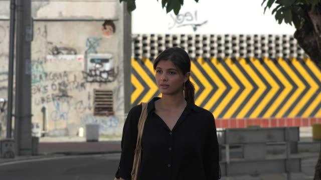 Mujer-hispana-latino-mujeres-Latinas