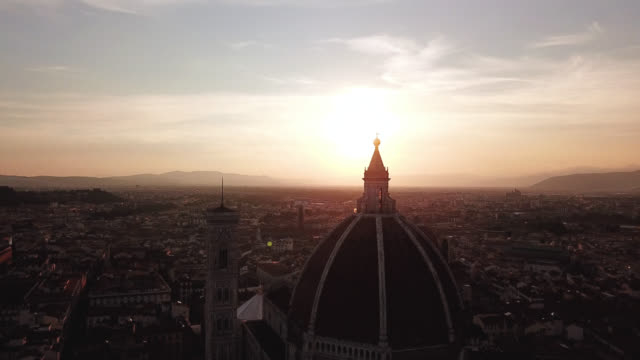 Florence-Tuscany-Italy-Aerial-view-on-the-city-and-Cathedral-of-Santa-Maria-del-Fiore