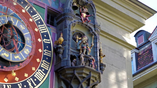Mover-figuras-de-la-Zytglogge-la-torre-de-reloj-medieval-Berna-Suiza