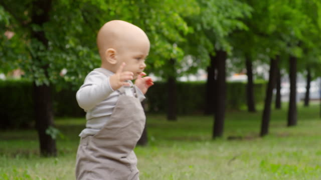 Baby-Boy-Toddling-in-Park