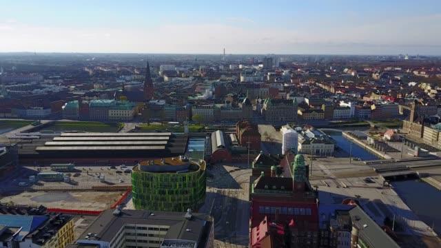 Hermosa-vista-aérea-de-Malmo-Suecia-desde-arriba-