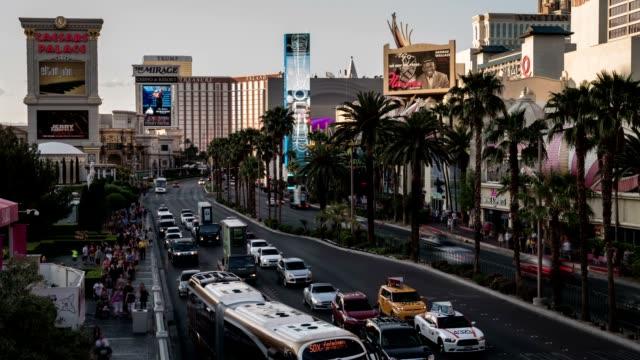 De-Las-Vegas-Strip-at-Twilight-Time-Lapse