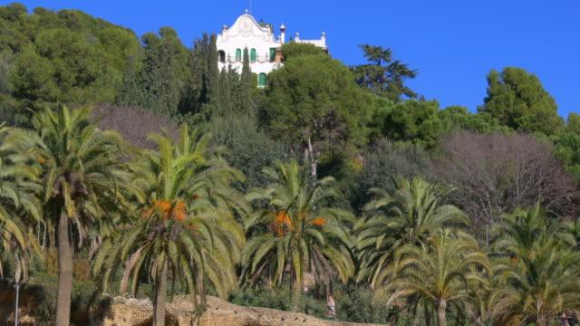 Parque-güell-en-barcelona-día-soleado-privado-vista-interno-de-4-k-España