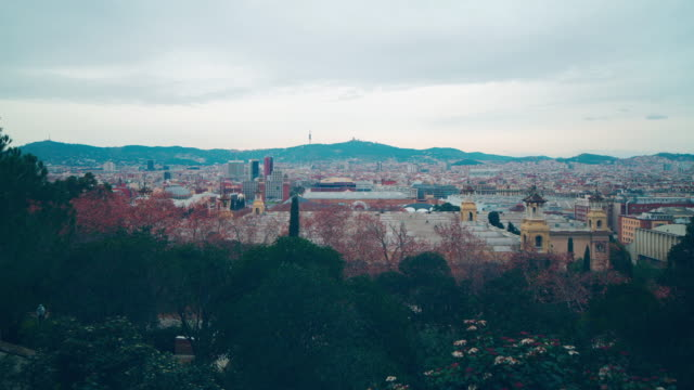 barcelona-national-royal-palace-city-panorama-4k-time-lapse