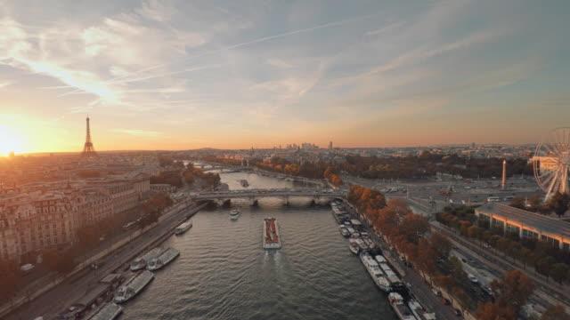 Aerial-Eiffelturm-Paris-Sonnenuntergang
