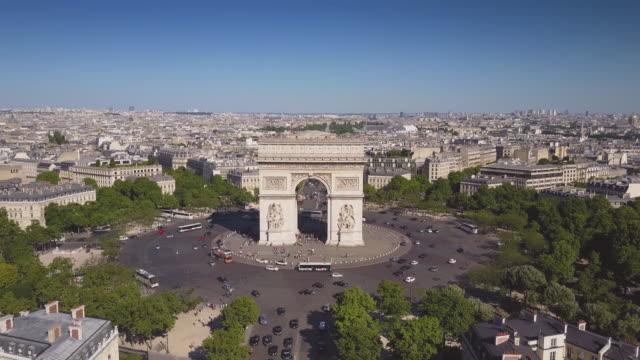 france-sunny-summer-day-paris-city-famous-arch-de-triumph-aerial-panorama-4k-time-lapse