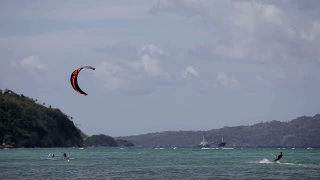 Kitesurfing-on-island-Boracay-and-Bulabog