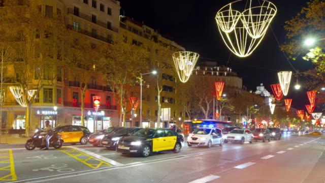 Barcelona-noche-tráfico-ligero-calle-principal-4-K-lapso-de-tiempo-de-España