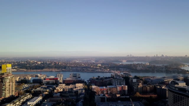 Horizonte-del-hermoso-paisaje-aéreo-en-la-mañana-del-amanecer