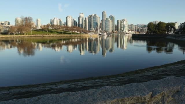 Falso-Creek-por-la-mañana-de-invierno-de-Vancouver