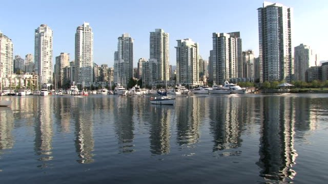 Vancouver-s-Yaletown-Reflection