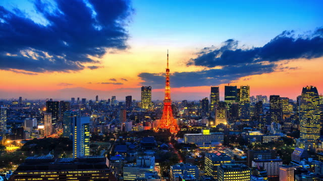 4K-Time-lapse-view-sunset-at-Tokyo-city-with-Tokyo-Tower-in-japan