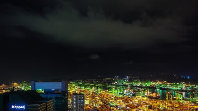 Puerto-de-Singapur-de-noche-luz-thunder-storm-cielo-trabajar-4-lapso-de-tiempo-k