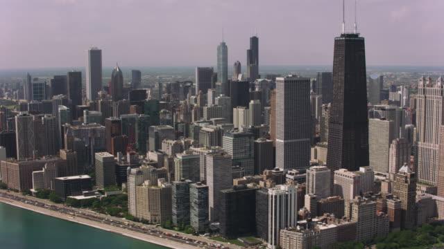 Durante-el-día-toma-aérea-del-centro-de-Chicago-y-el-puerto-de-Chicago-