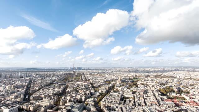 París-Francia-20-de-noviembre-de-2014:-Timelapse-de-la-ciudad-de-París-foto-durante-el-día-desde-el-montpernasse-tower-