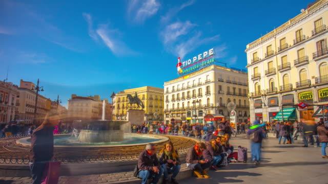 Madrid-día-soleado-placa-Puerto-del-sol-panorama-4-K-lapso-de-tiempo-de-España