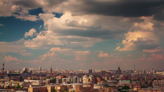 panorama-de-la-ciudad-Moscú-Rusia-verano-soleado-día-nublado-4k-lapso-de-tiempo