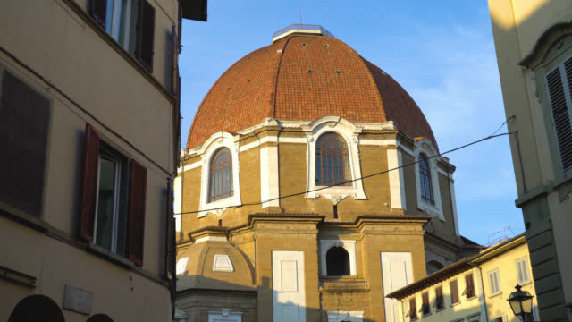 Florence-Tuscany-Italy-View-of-the-cupola-of-the-Medici-Chapel-close-up